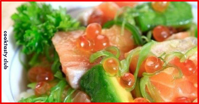 Салат «Дорогой» с икрой и лососем