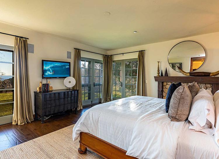 Меган Маркл и принц Гарри покупают особняк у Мела Гибсона: экскурсия по их новому дому Монархи,Британские монархи