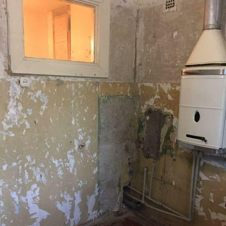 Сделали ремонт на кухне в хрущевке так, что к раковине не подойти домашний очаг,кухня ремонт,ремонт,рукоделие,своими руками