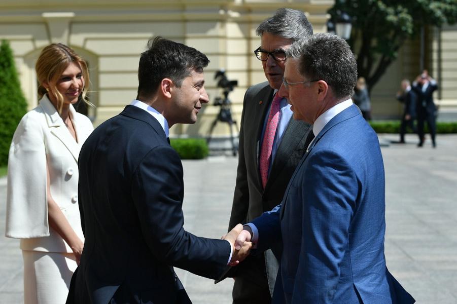 Новый президент Украины Зеленский. Старый крен в сторону США