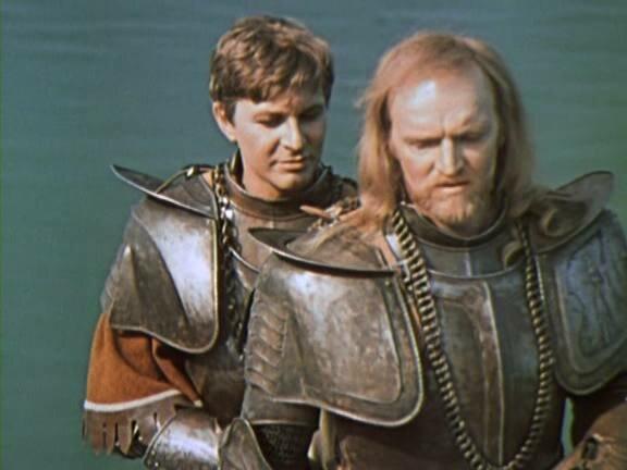 Рыцари из книги Твена носили вот такую броню. Самый близкий аналог, как по мне - миланский доспех