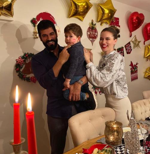 Бурак Озчивит очаровал поклонников кадром с сыном и супругой