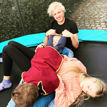 Наталья Водянова отпраздновала День матери со своими пятью детьми во Франции Звездные дети,яжемать