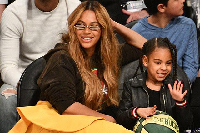 В сети обсуждают невероятное сходство Бейонсе в семилетнем возрасте и ее дочери Блю Айви звездные дети