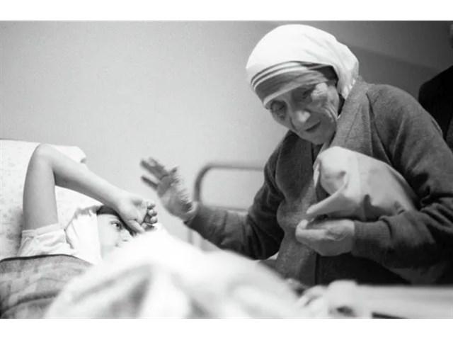 Большой миф о доброй матери Терезе... история