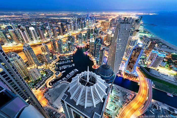 Из обычной пустыни Дубай превратился в самый богатый город мира.
