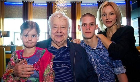 Наши актеры, которые стали папами после 70 лет актер,звезда,наши звезды,фильм,фото,шоубиz,шоубиз