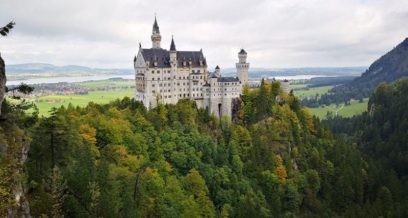 Самый красивый замок Баварии с грустной историей — Нойшванштайн
