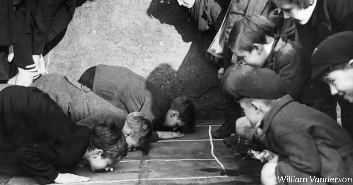 Фото о том, как веÑелилиÑÑŒ дети, когда не было ни интернета, ни Ñмартфонов
