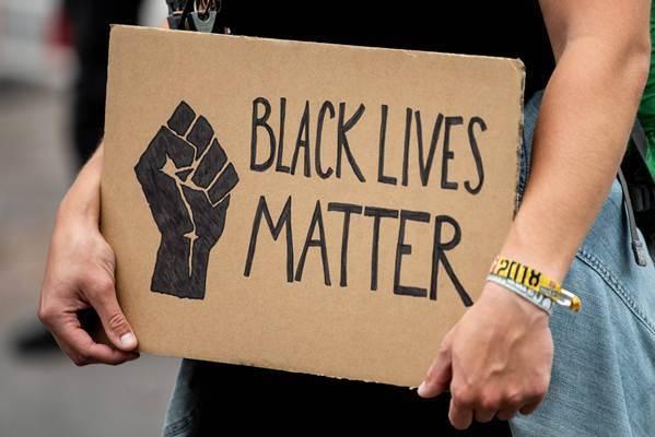 В Госдуме призвали признать движение Black lives matter экстремистской организацией