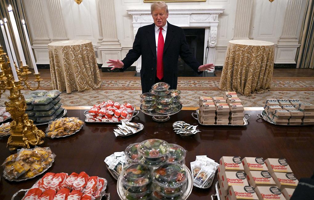 Президент накормил спортсмен…