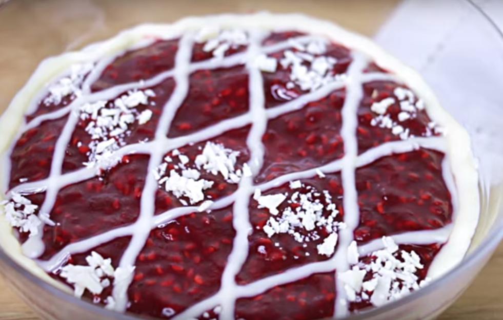 Превосходный новогодний десерт без выпечки и желатина