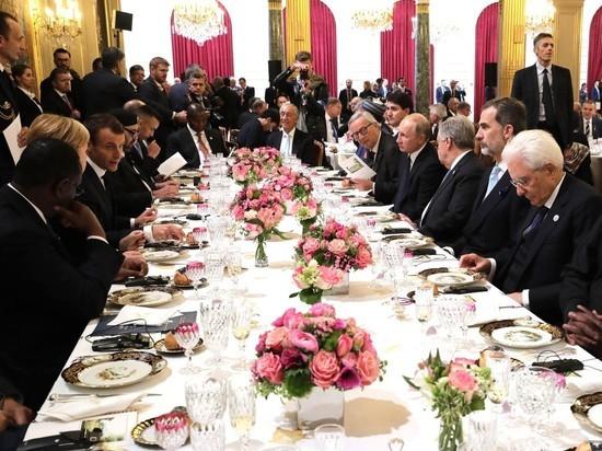В Париже Путин столкнулся с …