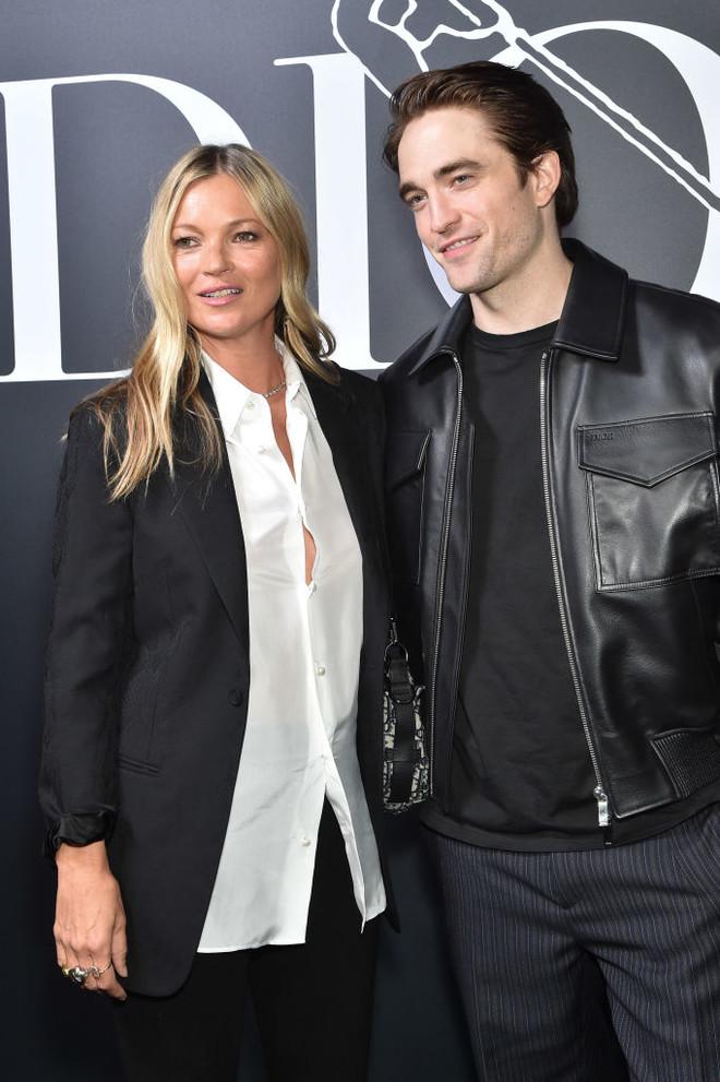 Кейт Мосс, Роберт Паттинсон, супермодели в одном нижнем белье и другие гости мужского показа Dior (фото 1)