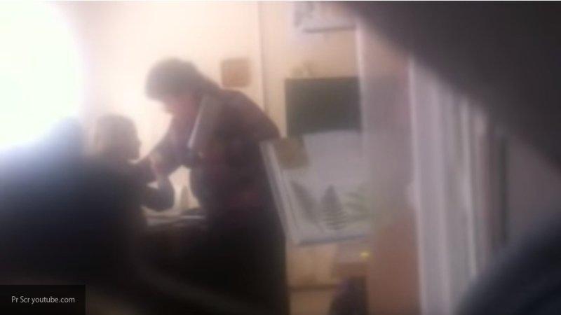 Опубликовано видео, как учительница в Тольятти ударила школьницу по лицу