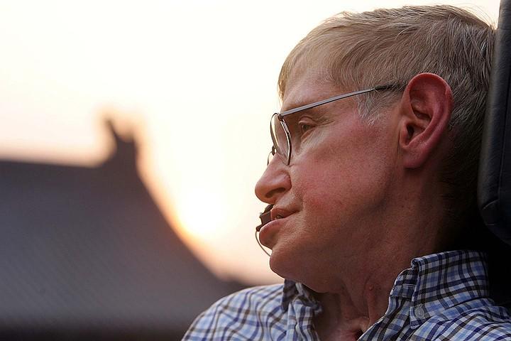 Чем Стивен Хокинг удивил и изменил мир