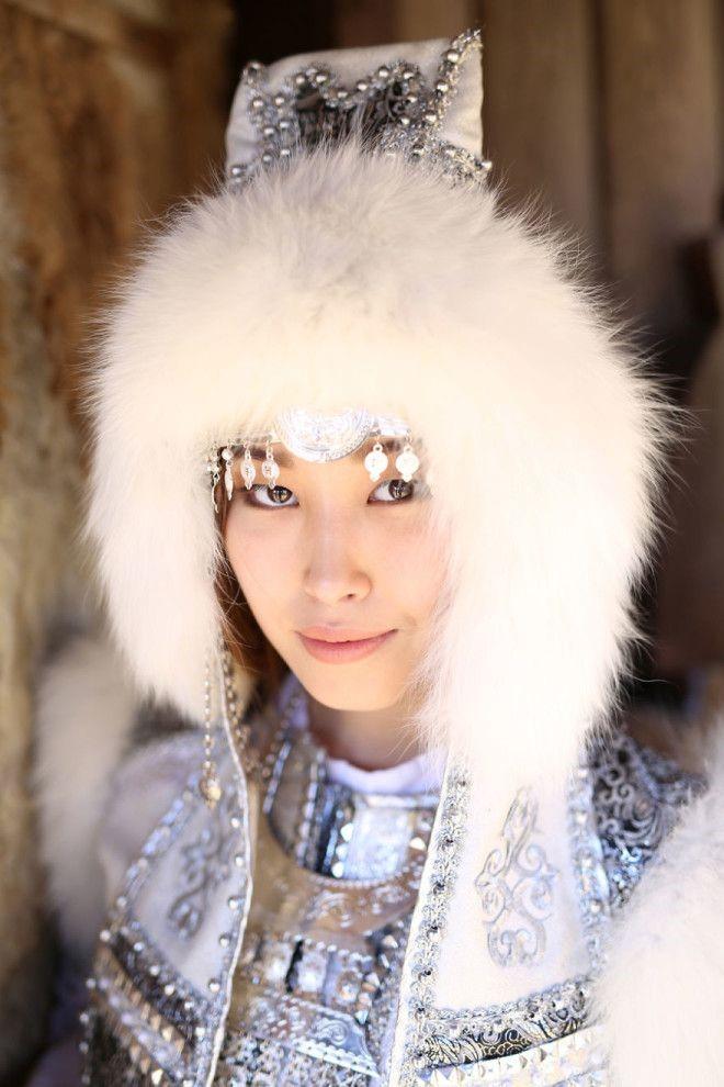 Женские лица красавиц из коренных народов сурового края