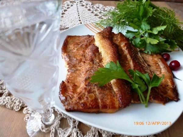 Рыба горячего копчения по-домашнему (в сковороде)