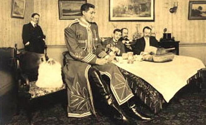 Самый высокий человек на планете жил в Российской империи. Рост Федора Махнова был почти 3 метра