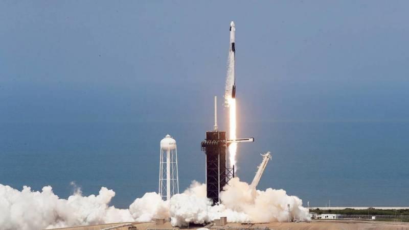 Батут сработал. Куда теперь выбросит Россию в космосе?