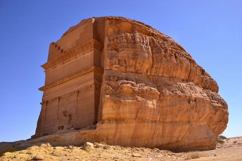 Мадаин-Салих - древнее место раскопок