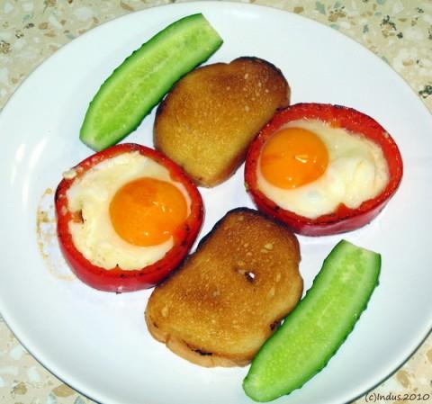 Фигурная яичница-глазунья для украшения блюд