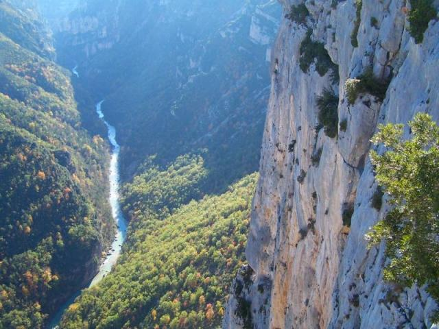 Живописное ущелье реки Вердон