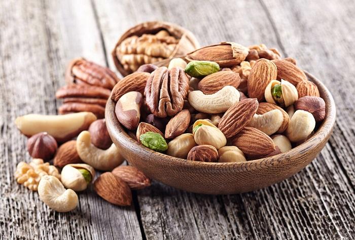 Во всех разновидностях орехов содержится много витаминов и микроэлементов. / Фото: food-tips.ru