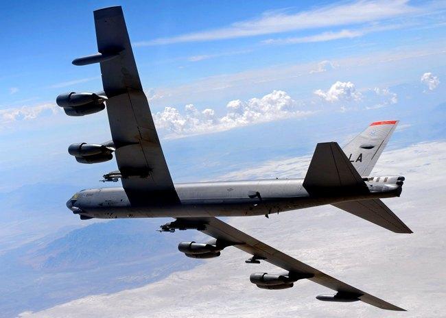 Полеты американских В-52Н у …