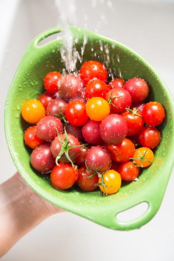 Газированные с кислинкой, как из бочки! Два быстрых рецепта идеальных квашенных помидор квасим и солим