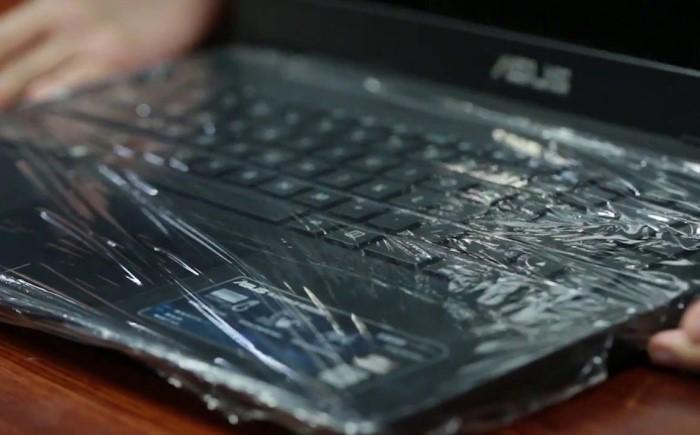 Если на клавиатуру что-то просыпется или прольется, устройство не пострадает / Фото: 4tololo.ru