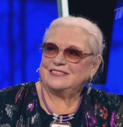 Лидия Федосеева-Шукшина переписала жилье на внучку
