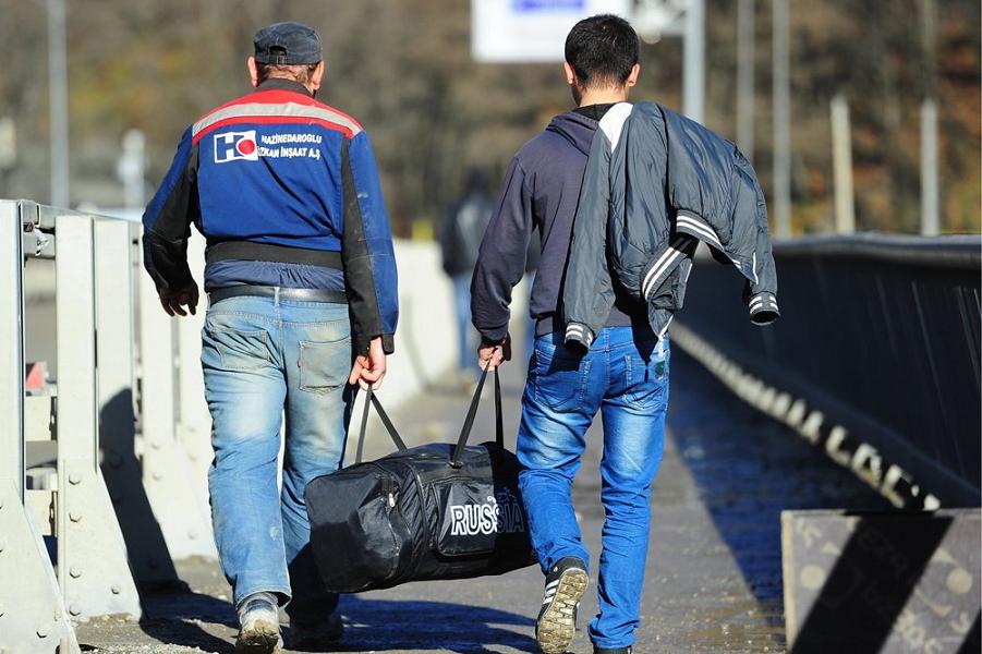 Украинские мигранты в России: приехать, но не остаться