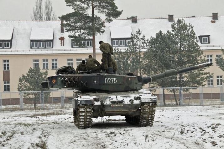 Польские Leopard 2А5 перебираются на Восток