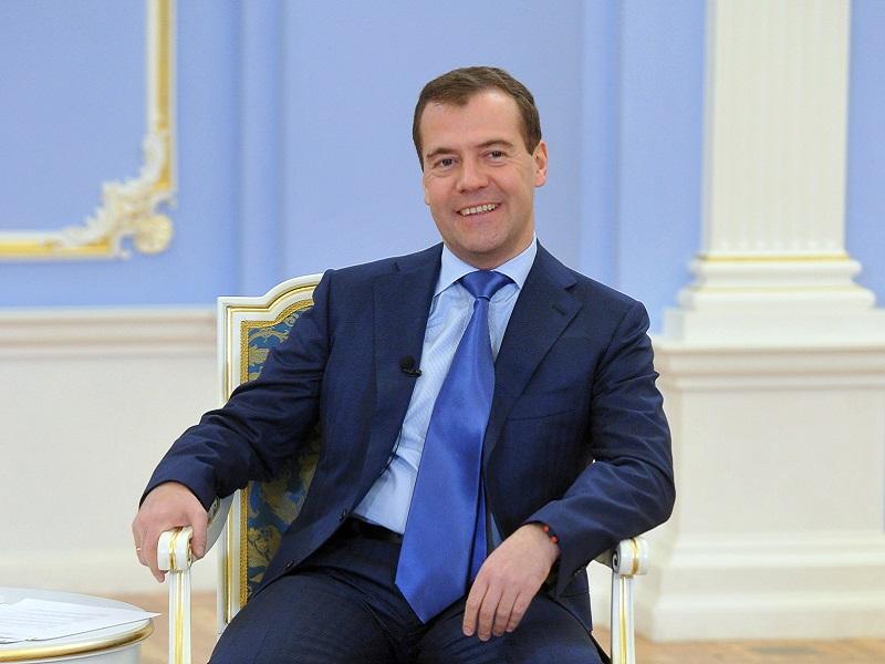 Премьер Медведев нам разрешает