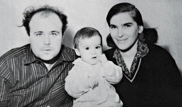 Калягин с первой супругой и дочкой
