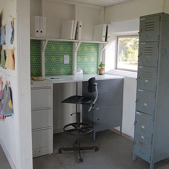 mini-home-office-nook-corner2