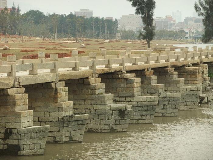 Древний мост Анпинг в Китае