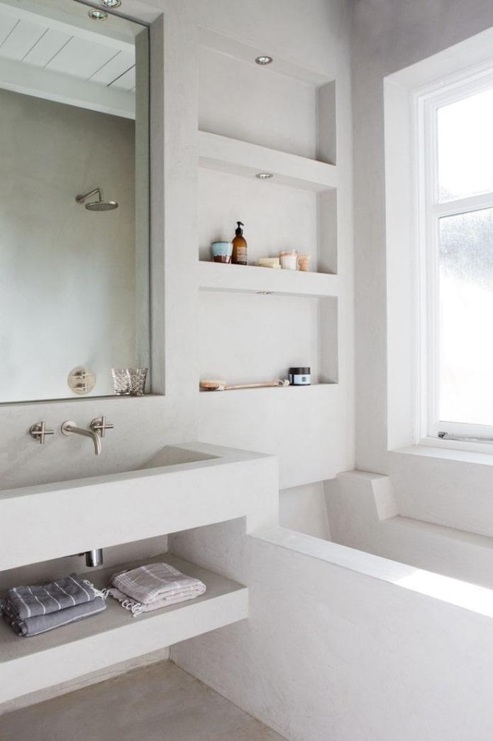 ниши возле умывальника в интерьере ванной