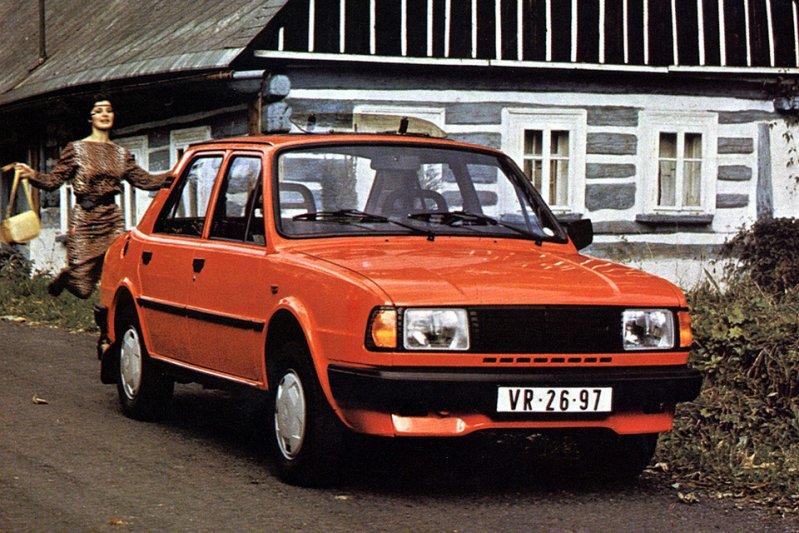 В 1984 году семейство, получившее общее обозначение Type 742, пополнили седан 130 L и купе 130 Rapid. Обе модели комплектовались 1,3-литровым 58-сильным мотором и пятиступенчатой «механикой». Двумя годами позже к ним присоединилась версия седана 130  заднемоторная компоновка, седан