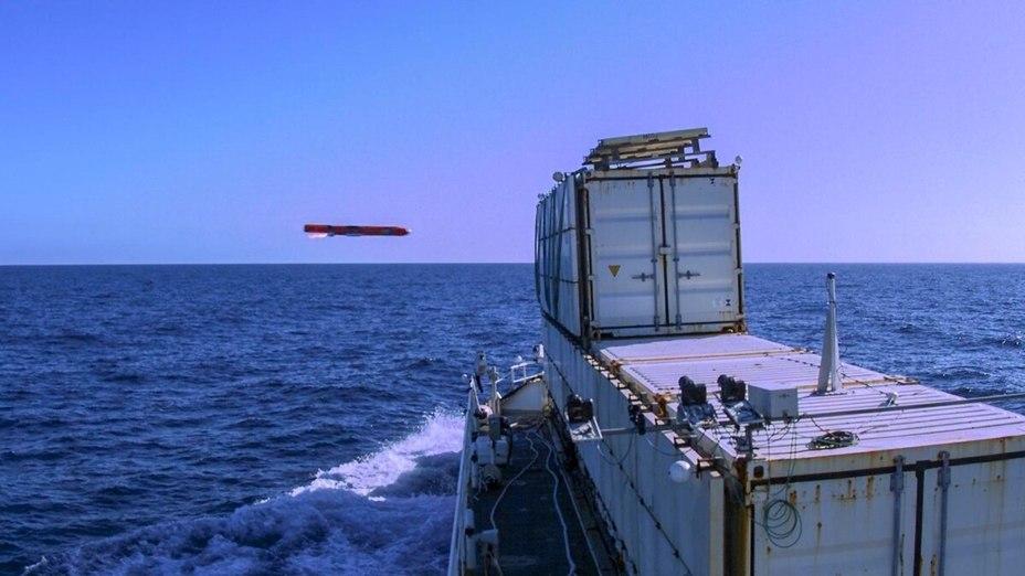 Ракета Sea Venom поражает надводную цель defensenews.com - «Морской яд» доказал профпригодность   Warspot.ru