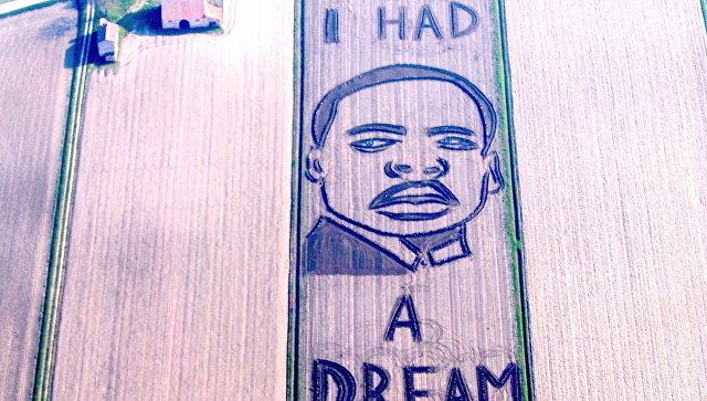 Итальянский художник-тракторист «нарисовал» портрет Мартина Лютера Кинга