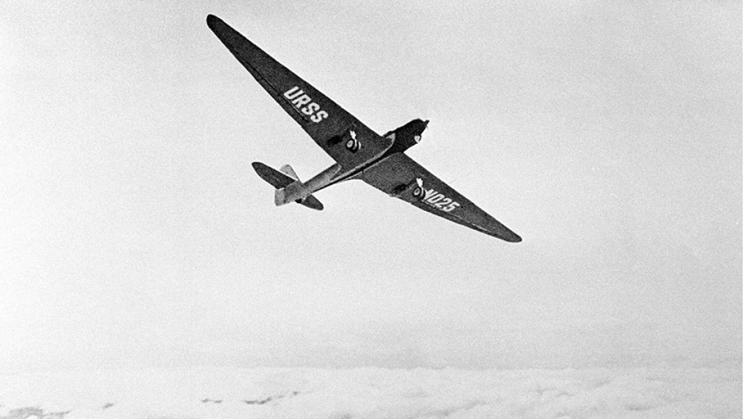 Два крыла по плечам: как воздушный хулиган стал «сталинским соколом»