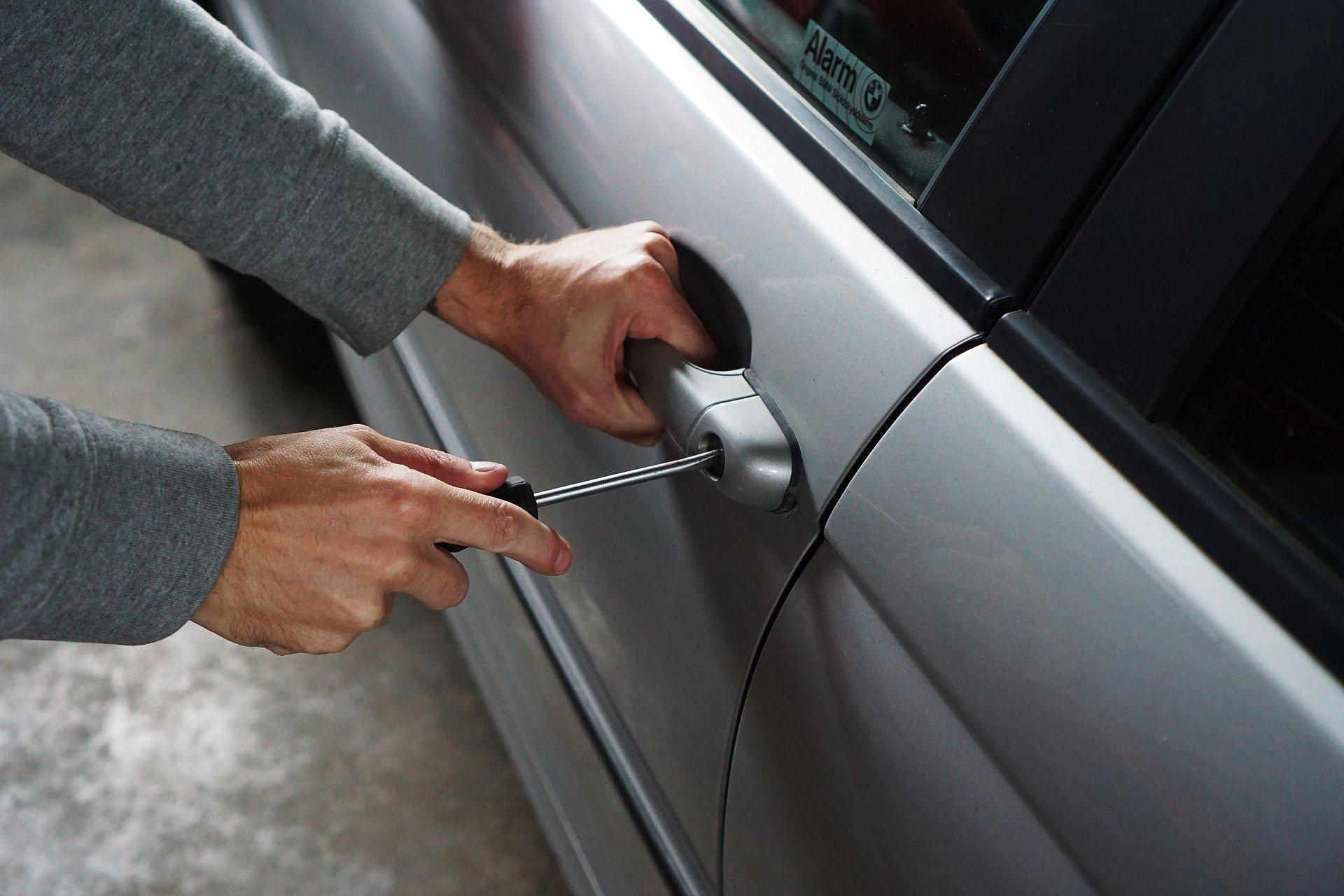 Как защитить автомобиль от угона Полезные советы