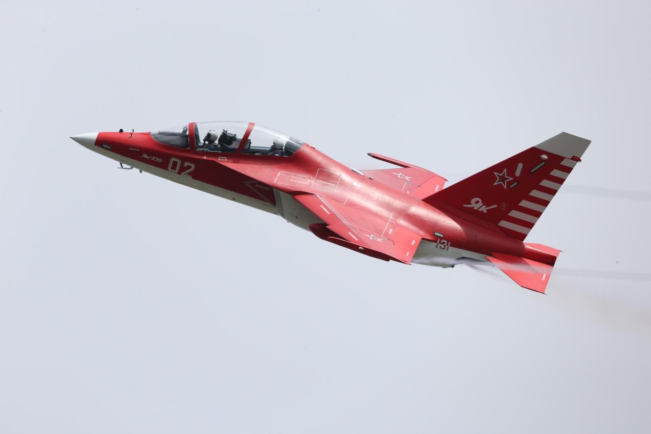 Летчики-испытатели ОКБ им. А.С.Яковлева установили мировые рекорды на самолете Як-130