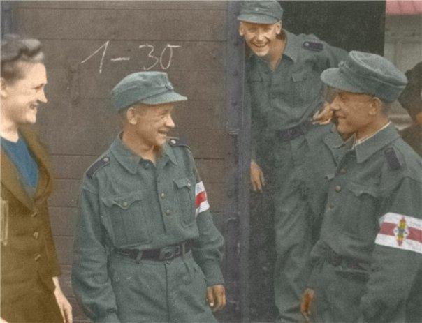 Два флага нацистов...