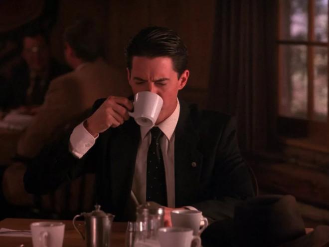 Передозировка кофеином: что делать, если вы перепили крепкого кофе