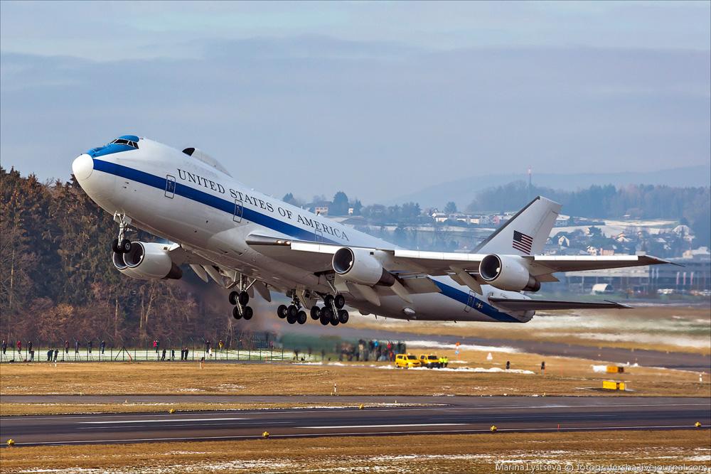 США подняли в воздух самолет