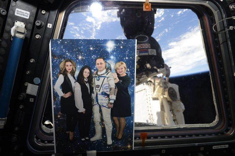 По МКС верхом на пылесосе ynews, видео, космонавт, мкс, невесомость, полет, пылесос