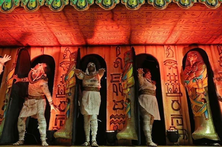 Выступление школы Dragoes da Real бразилия, в мире, карнавал, события, фото, фотоотчет, фоторепортаж